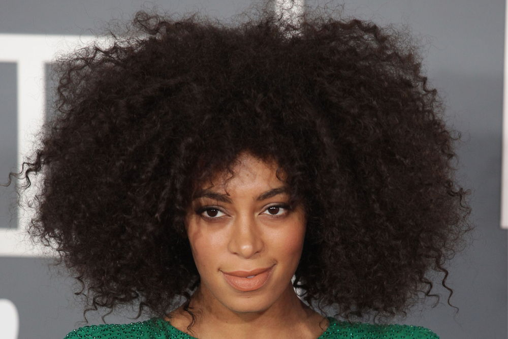 twist-outs hairstyle
