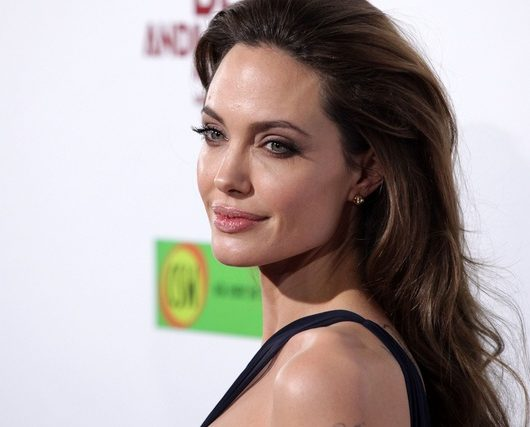 jolie sells pitt's painting